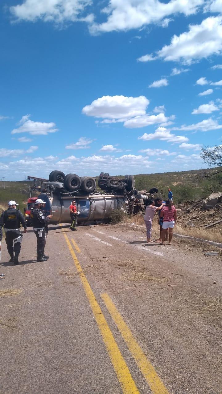 (Foto: Local do acidente, na RN 288, próximo ao São Bernardo)