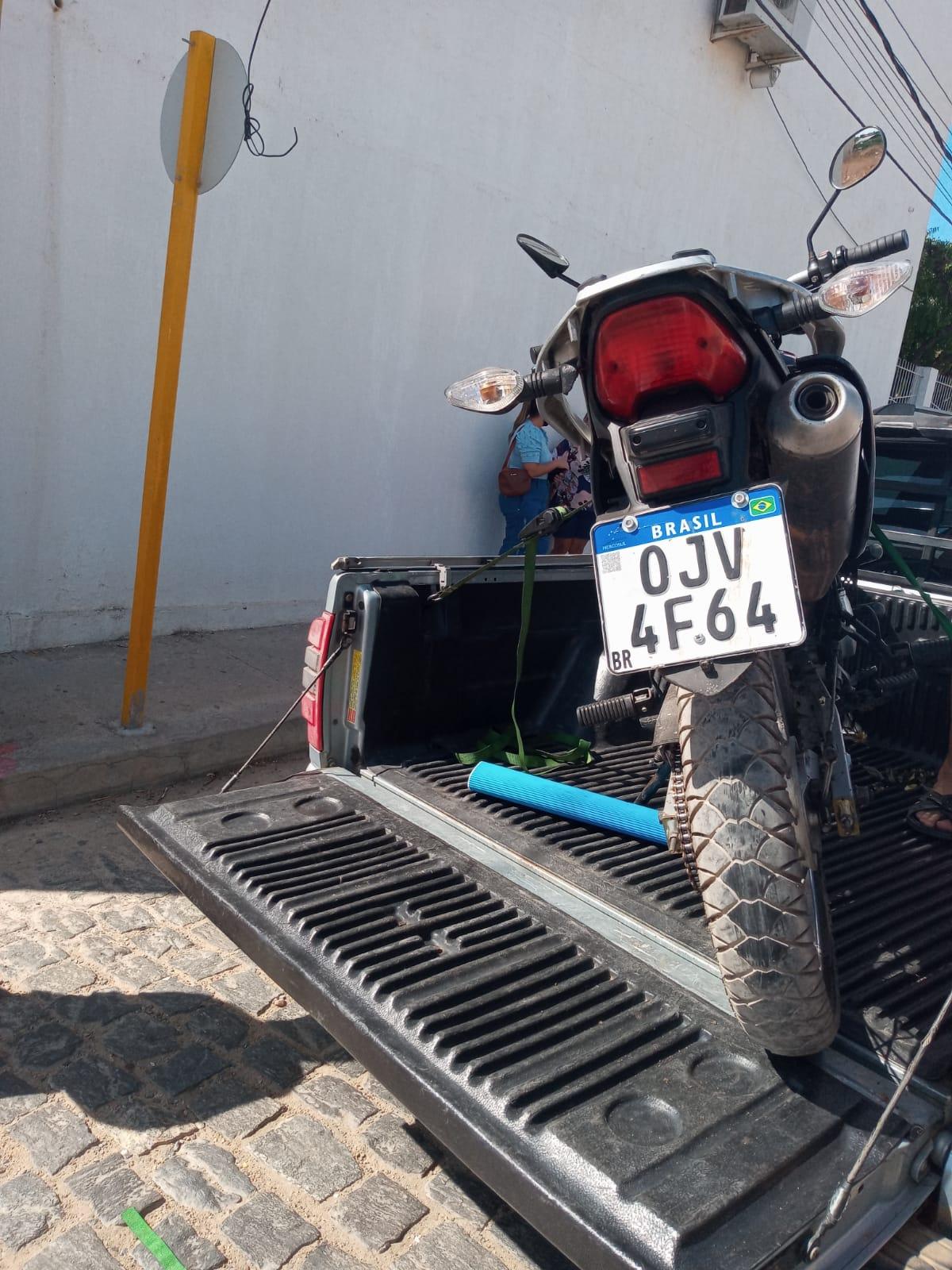 (Foto: Moto Bros recuperada pela Polícia Militar)